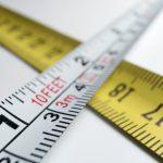 Czym jest metr? Jak obliczyć metry bieżące i kwadratowe?