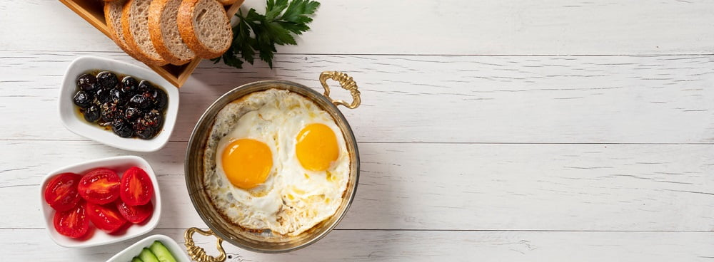 Śniadanie przygotowane przy użyciu krajalnicy
